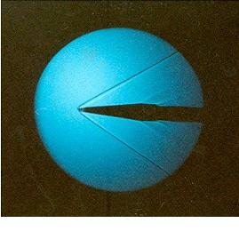 Коси ударни таласи у надзвучном струјном пољу, снимљено у аеротунелу.